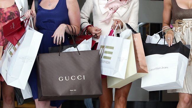 607197-shopping
