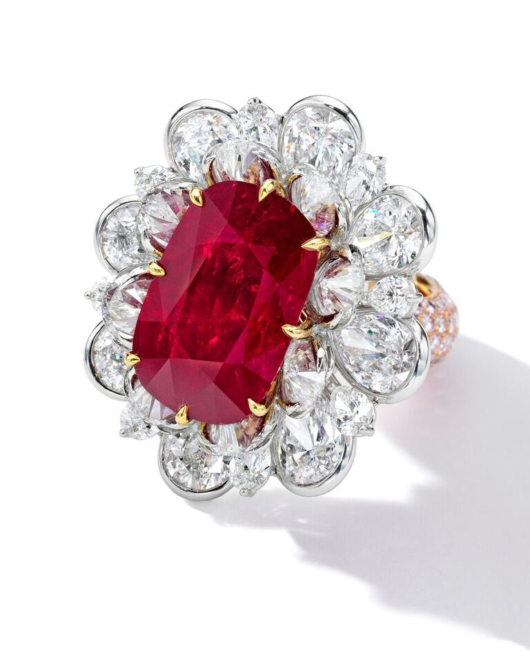 24.70 ct Spectacular Ruby and Diamond Ring (2)_preview